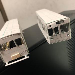 鉄道模型を紙で作るのは難しいが楽しい。