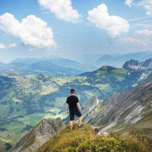 【名言から学ぶ】人生は山登りにたとえられる―薄毛対策も登山と同じ?