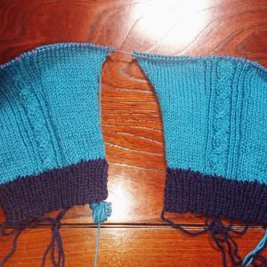 袖を編み始めました