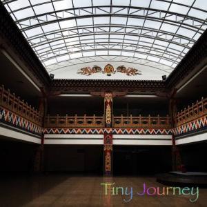 ブータン探訪記2*ブータンの伝統的な建築様式とファンキーな働く自動車