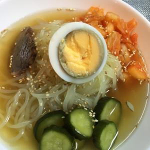 岩手県の盛岡市の名物料理『盛岡冷麺』を食べる!麺のコシの強さがクセになっちゃう絶品であなどれない!!
