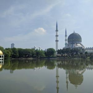 多文化ミックスのマレーシアへ!⑬ ~KL④ ブルーモスクでの出逢い~