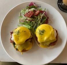 おしゃれカフェでのランチがお得になるアプリ【eatigo】