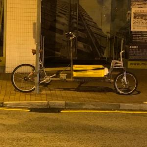料理宅配サービスと驚きの改造自転車
