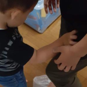 子供と一緒に手打ちうどんに挑戦(ものすごいお腹にたまるうどんが完成)