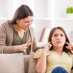 退職を親に怒られるのが怖い!退職・退職は事前に親に相談するべき?