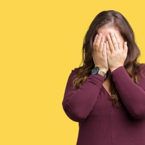 職場の人間関係ストレスの原因!同僚女性に無視されるのが怖い時の対処法