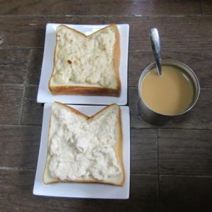 昼食の「食パン」が美味しかったです♪
