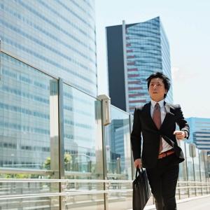 行政書士の副業で成功する方法とは? 副業のメリットとデメリットも教えます!