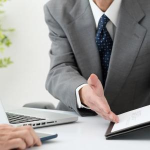 行政書士の実務講座を受けるメリットやかかる費用!おすすめのサービスは?