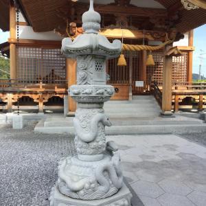 眷属と岩国:白蛇神社・堅石大明神のお話