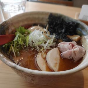 トータルバランスが驚愕!【焼きあご塩らー麺 たかはし】@新宿本店