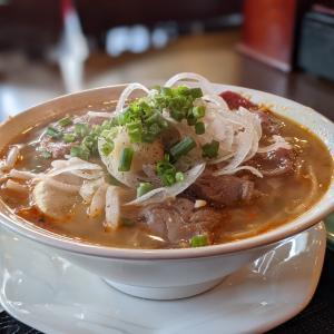 【コラーゲンたっぷり激旨スープ】ブンボーフエを食べるならやっぱりここでしょ!ベトナム居酒屋 NHAU (ニャウ)@大久保