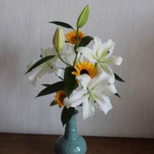 20210724夏休みの居間の花