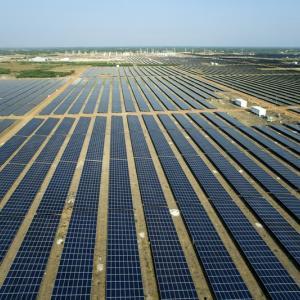 """太陽光発電セクターで""""Make in India""""に参入すべし"""