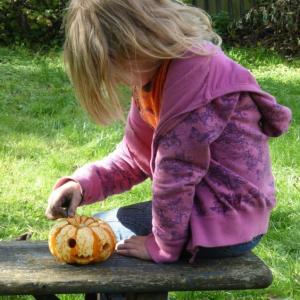 ハロウィンの子供用の人気コスプレ衣装は?おすすめのお菓子や料理のレシピと作り方をご紹介!