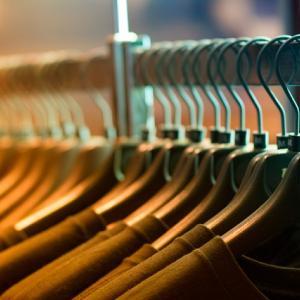 洋服の衣替えの前にしておくべきことは!?収納する前のコツをご紹介