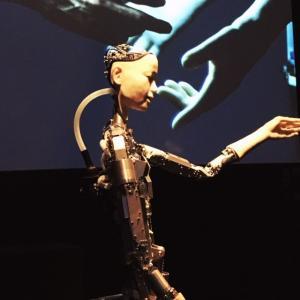 AI 人工知能- More than Human@バービカンセンター/ドラえもん/アニミズム/ロボットとの共存!?