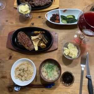 皆んなでお昼ごはんは美味しい。ゆっくり2人の晩ごはんも美味しい。