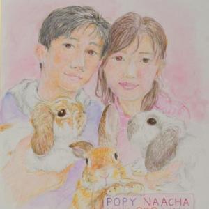 うさぎさんと家族を描きました。しかも色紙。