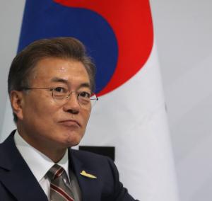 韓国文在寅政権がGSOMIA破棄!最新の海外の反応を見て英語を学ぶ
