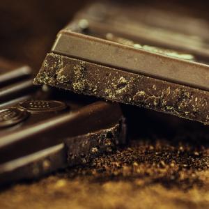 【おやつ・間食抜きダイエット】9週目の経過報告!カカオ72%チョコを食べ続けてみた