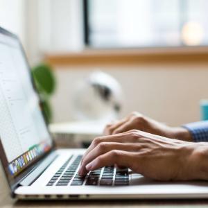 【多くの人が間違える】ブログを辞めるか継続するかを見極めるポイント