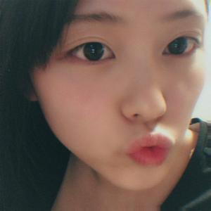 唇にシミがたくさんできるのはなぜ?シミができる原因を調査しました!
