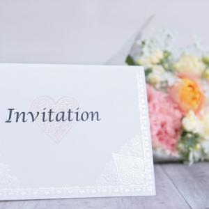 結婚式の招待状はいつ送る?時期や送り方・遅れた場合の対処法!