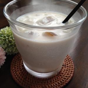 溶けて美味しい♪ほうじ茶の氷でつくる「氷ほうじ茶アイスラテ」でおうちカフェ♡