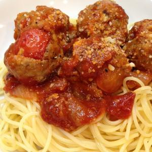 失敗した丸ごとプチトマト入りミートボールを使ってミートソース風スパゲッティ