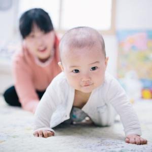 首のすわりも早く、足もどんどん突っ張ります。立たせる練習をしてもよいでしょうか?