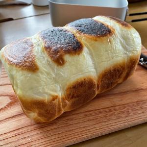 のんびりとパンを焼く休日
