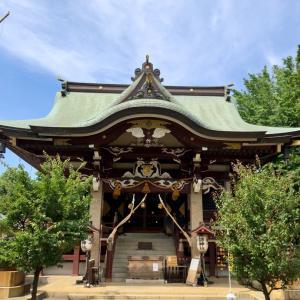 スーパーの帰り道      諏訪神社に立ち寄りました