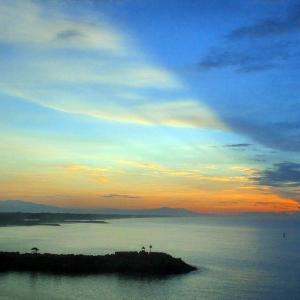 パナマ・カリブクルーズ   グアテマラ・プエルトケツァル港の朝景・夕景