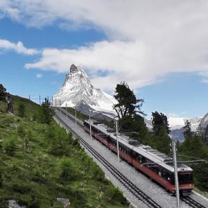 スイスハイキング      【動画あり】ヘルンリヒュッテ・マッターホルン