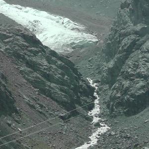 スイスハイキング      【動画あり】ツェルマット⇒フーリ~氷河~フーリ