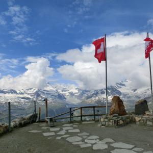 スイスハイキング      ゴルナーグラート展望台(標高3130m)