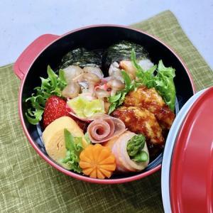 4月20日(火) 鮭ハラミのおにぎりサンドとレンコン鳥つくねの甘酢あん弁当