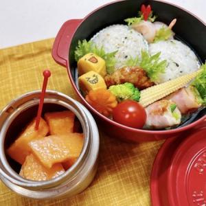 7月12日(月) 青菜のまん丸おむすびとアスパラベーコン巻とメロンのお弁当
