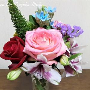 今度は薔薇を強調した花束