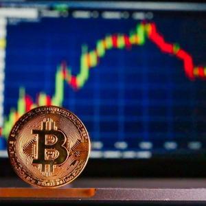 過熱感強まるビットコインは13000ドル突破。下落はチャンスかも? |BTC-TakeOff