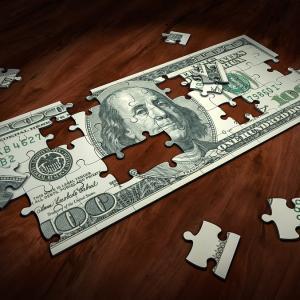 【VFH銘柄分析】アメリカ金融セクターETFはJPモルガンやバークシャーがメインで政策金利に影響される