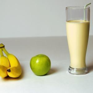 【衝撃】「糖質制限ダイエットしてるの」→揚げ物とか油たっぷりの料理ばかり食べてるしwww