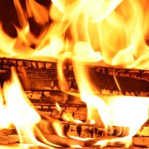 【悲報】タクシーで帰宅したらマンションが燃えてたwwwww