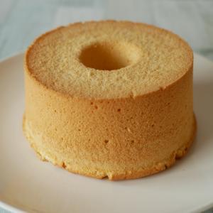 瞬き厳禁!一瞬でシフォンケーキを型から外す方法。