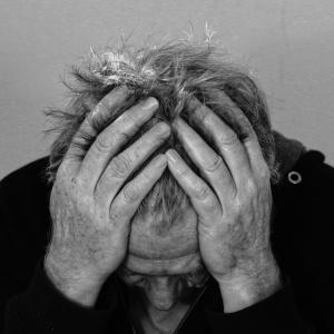 群発頭痛 痛みのレベルと対策方法、効果のある薬をブログで伝える。