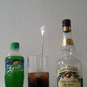 【カクテルレシピ】 自宅でカクテル 205杯目 「カシス・スプライト」
