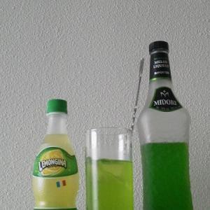 【カクテルレシピ】 自宅でカクテル 235杯目 「ミドリ・レモンジーナ」
