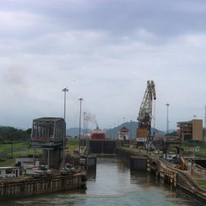 寄港地パナマ編 ~治安はアレだけれども…船ならではのパナマ運河通過!~